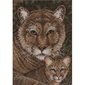 Набор для вышивания: Семья кугуаров, счетный крест