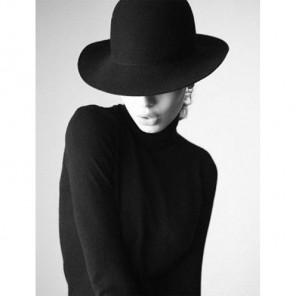 Девушка в черном Алмазная вышивка (мозаика) Гранни