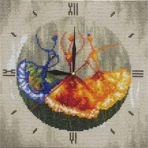 Фотография готовой работы Танцовщицы Часы Алмазные на подрамнике с полной выкладкой Color Kit