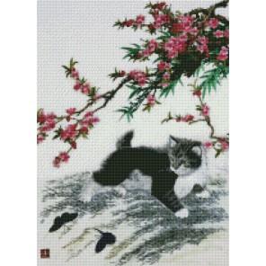 Котёнок под цветущей веткой Алмазная мозаика на подрамнике Цветной