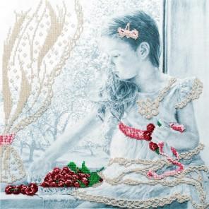 Девочка с вишнями Набор для вышивания бисером МП Студия