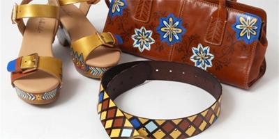 Образцы готовых изделий, покрашенных краской  Leather Studio